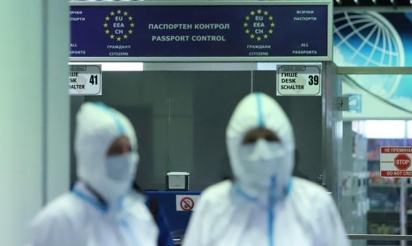 Европа с мерки срещу коронавируса - ръкавици, маски, анкети...