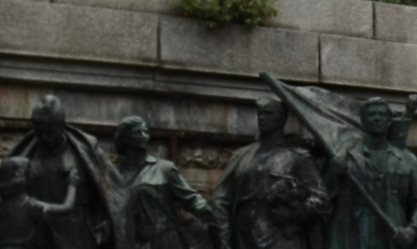 """Поругаха братската могила на Съветската армия в """"Лозенец"""""""