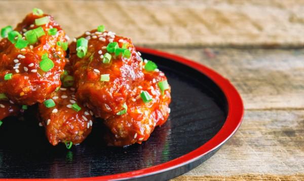 Рецептата Dnes: Пилешки гърди с чесън и барбекю сос
