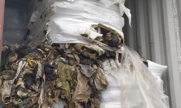 Екоминистърът: Отпадъци по вода ще влизат само през Варна!