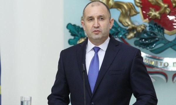 Радев заряза лозята, чака отговори от Борисов и Гешев