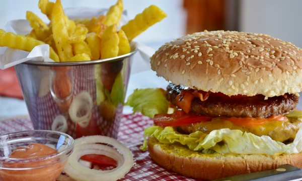 Бърза храна по време на диета? Позволено е