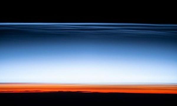 Картичка от края на космоса – как изглеждат най-високите облаци
