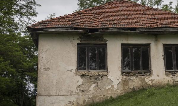 И Сърбия като България: Топи се бавно, но сигурно