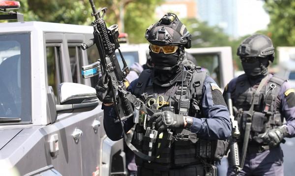 Мъж стреля в търговски център в Банкок, има убит