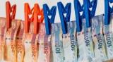 Китайската банка срещу коронавируса: Пере парите, буквално!