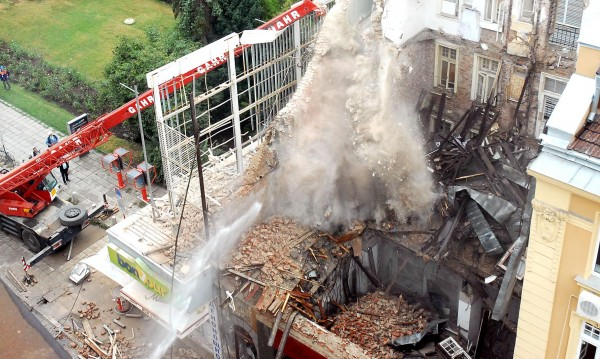 "Рухнала сграда на ""Алабин"", две жертви - виновни няма"