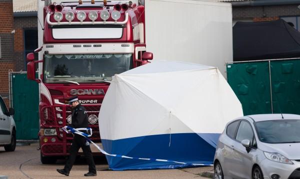 Седем обвинени във Виетнам за смъртта на 39 мигранти в камион