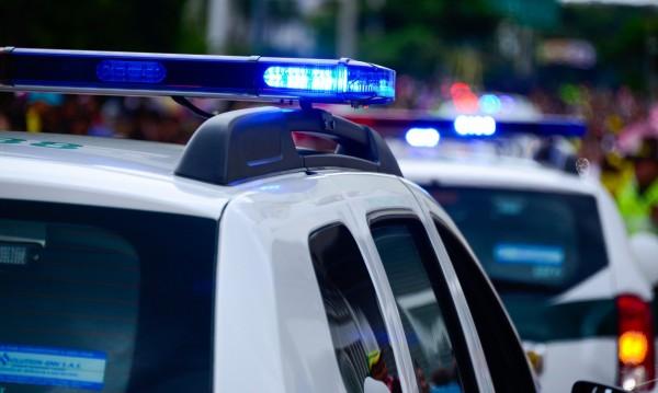 Полицаи заплашени с нож от охранител в Горна Оряховица