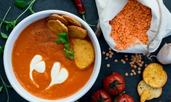 Рецептата Dnes: Крем супа с червена леща и зеленчуци