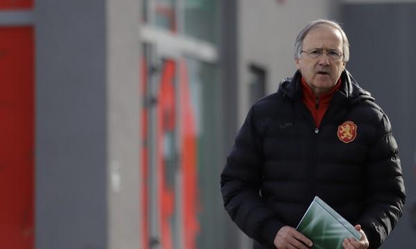 Дерменджиев вярва: Попето може да играе за България