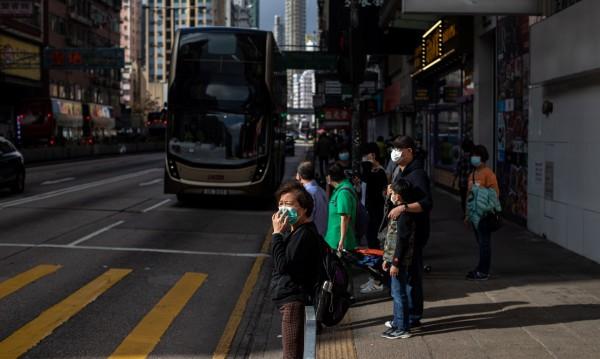 Заради кризата: Хонконг дава по $1280 на всеки жител