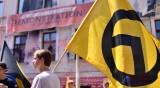 ПЕГИДА, АзГ... Виновна ли е само Германия за възхода на екстремизма?