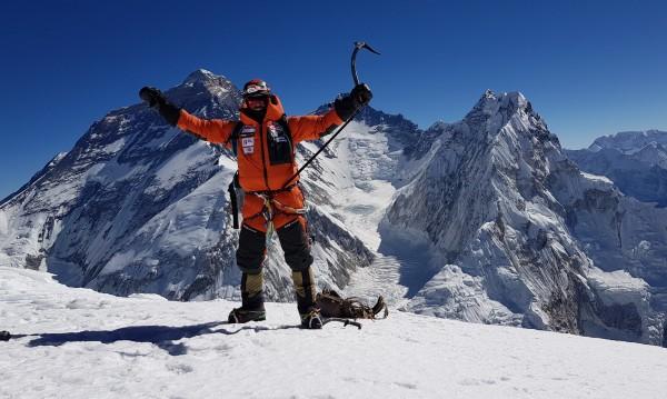 Да достигнеш върха: Алпинистът Алекс Чикон  на СФФ