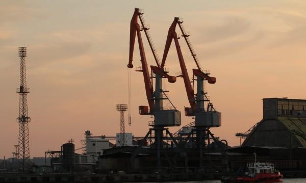 Кораб от Венеция е под карантина на пристанище в Бургас