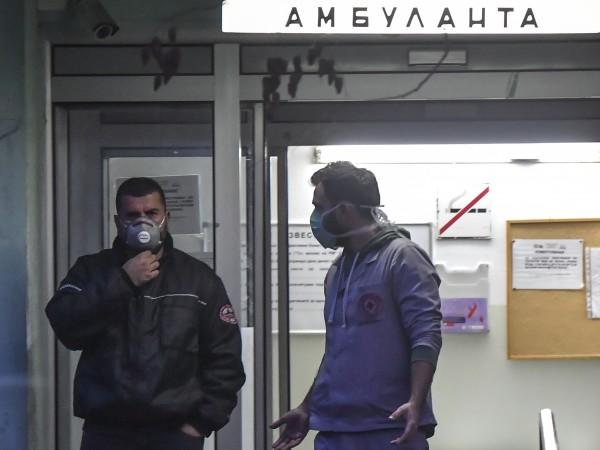 Първият официален случай на коронавирус в Северна Македония предизвика навалица