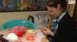 Пациенти творят благотворително мартеници в Александровска