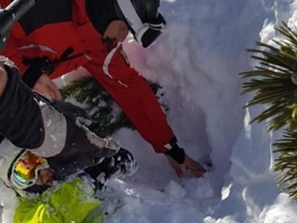 Руски турист беше спасен, след като престоя два часа под