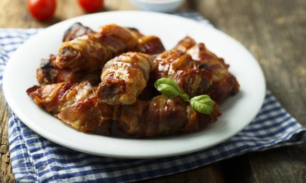 Рецептата Dnes: Пилешко в бекон с барбекю сос