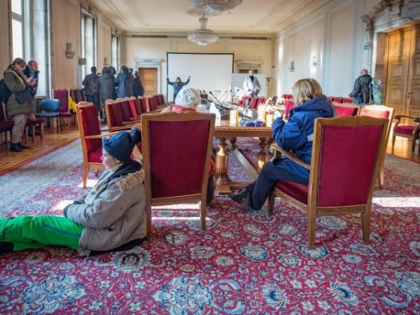 Български лекарски съюз с недоумение следи окупацията на Парламента, започнала