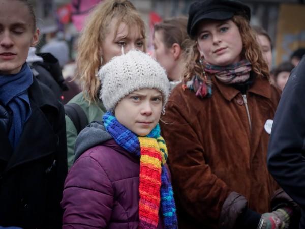 Няколко хиляди души се събраха вчерашния следобед в Брюксел на