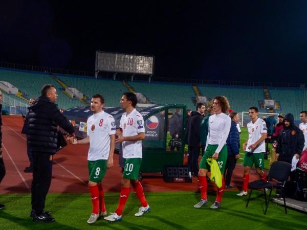 Българският футболен съюз чака отговор от УЕФА за предстоящия двубой