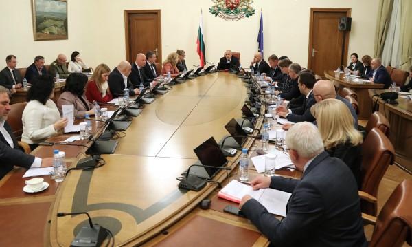 Кабинетът предлага на НС да обяви извънредно положение заради COVID-19