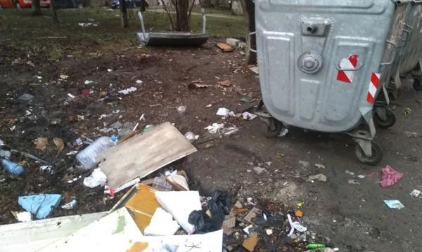 Helpbook сигнали: Мръсни улици, липсващи кофи за боклук...
