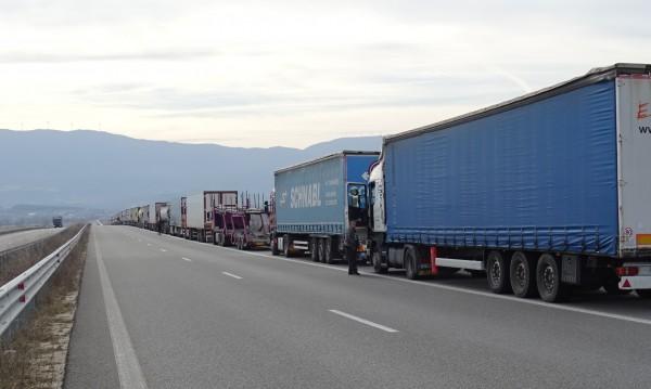 Горещо от МВнР: Къде има ограничения на движението в Европа и по света?