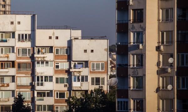 Само блокирани чужденци останаха в домовете на Airbnb