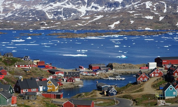 Ледовете в Гренландия и Антарктика се топят шест пъти по-бързо