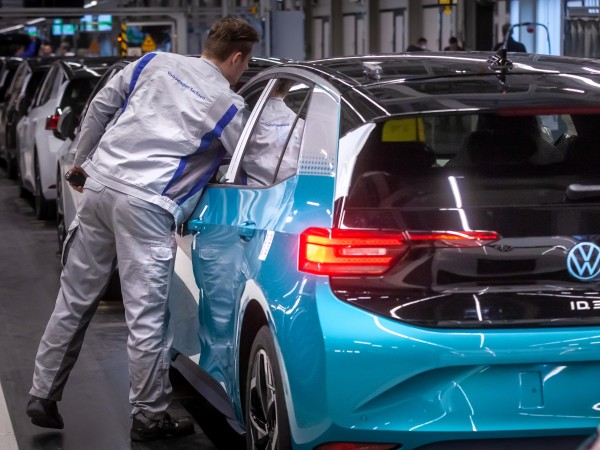 """Германският автомобилен гигант """"Volkswagen"""" заяви, че са започнали приготовленията за"""
