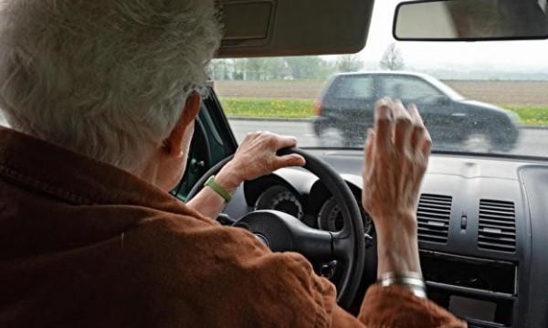 Шофьори на 80 г. – безопасно ли е?