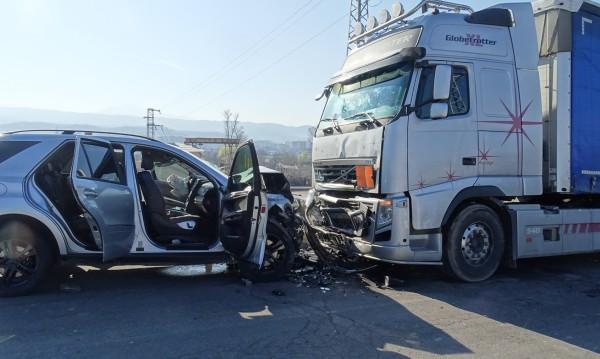 Тежка катастрофа на пътя Благоевград - Покровник