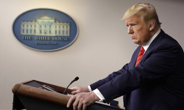 Тръмп упорито сочи Китай за виновник: Не спря COVID-19!