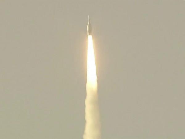 НАСА съобщи, че прекратява работата и тестовете на ракети и