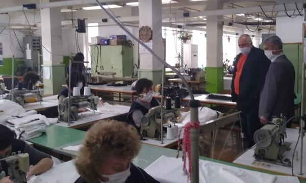 Произвеждат първите 2 хил. облекла в Калофер