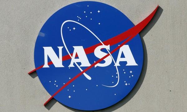 """COVID-19 """"удари"""" плановете на НАСА, затварят центрове"""