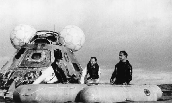 Агонията на едно семейство: Как Аполо 13 се върна на Земята