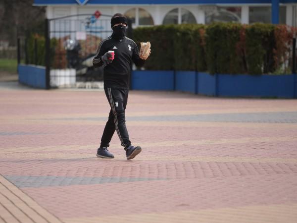 """Пандемията от коронавирус се """"ускорява"""", предупреди шефът на СЗО Тедрос"""