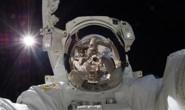 Астронавтите за изолацията: Разберете, че го правим с по-висша цел!