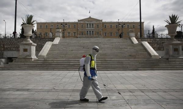 В Гърция: Национален празник под пълна карантина