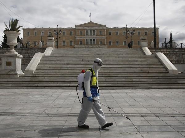 Благовещение и национален празник днес в Гърция при затворени църкви
