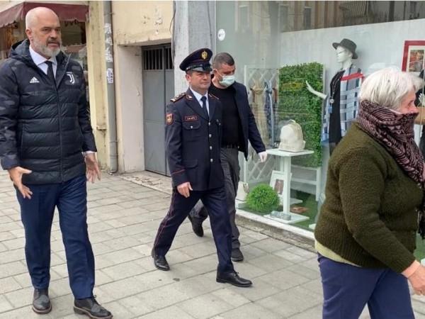 Албанският премиер Еди Рама не се ограничи просто с призиви