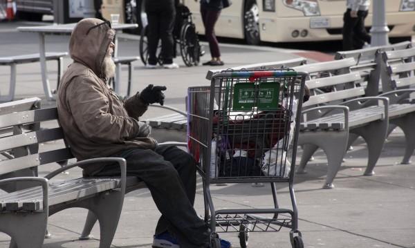 Кой се грижи за бездомниците по време на пандемия?