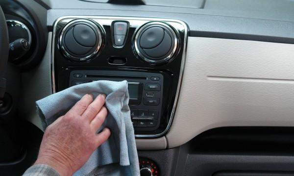В условията на пандемия: Как да дезинфекцираме автомобила?