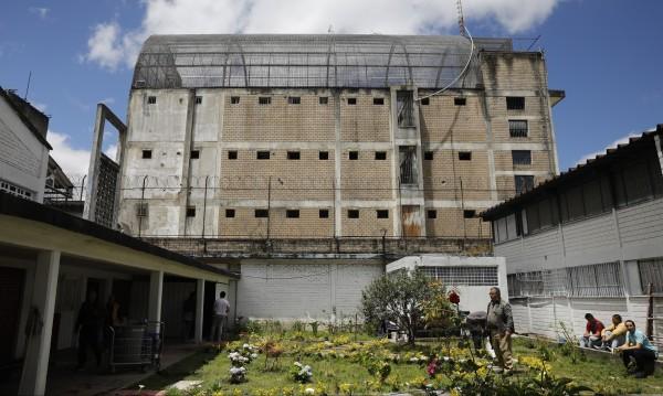 Заради COVID-19 драма със затворниците: Да ги заключат или да ги пуснат?