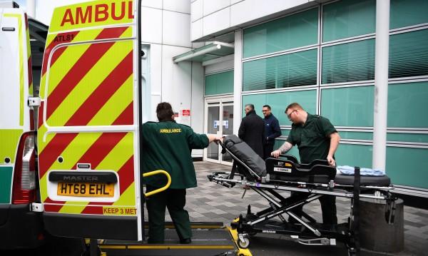 """""""Цунами"""" от болни от COVID-19 в болниците в Лондон"""