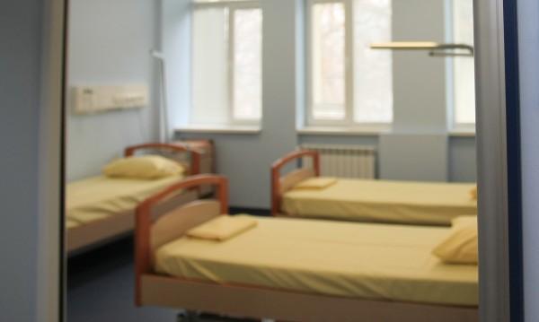 Община Бургас апелира хотели да дадат чаршафи на местни болници