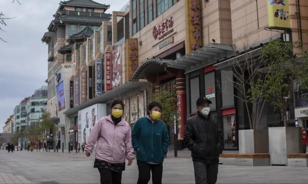 """55 нови случая на COVID-19 в Китай – 54 от тях са """"внесени"""""""